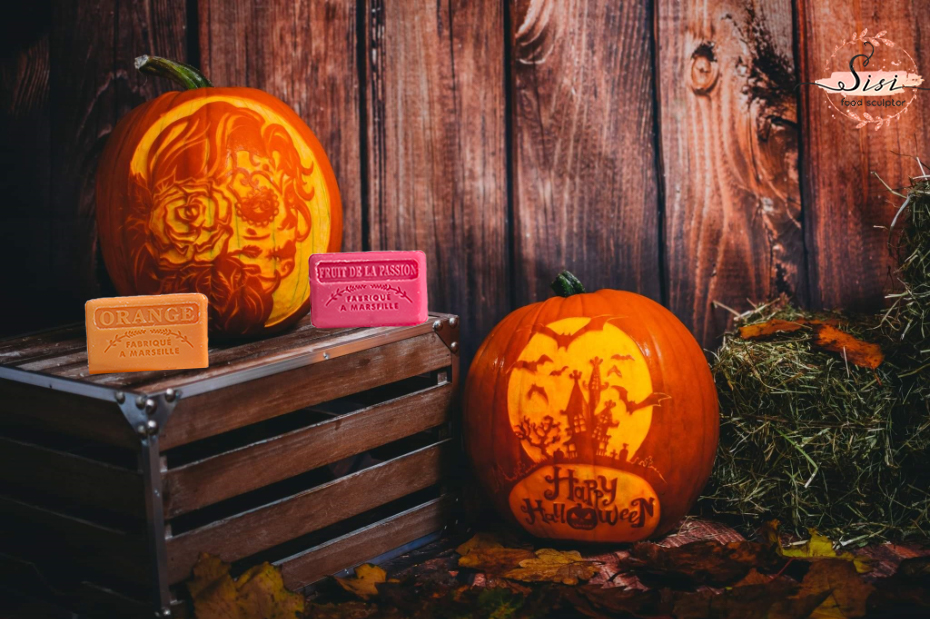 Halloween 2021 - orange and passion fruit French soap